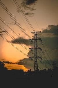 Prąd budowlany, czyli sposoby pozyskiwania prądu podczas budowy